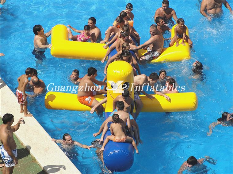 inflatable water dogs game for waterparks